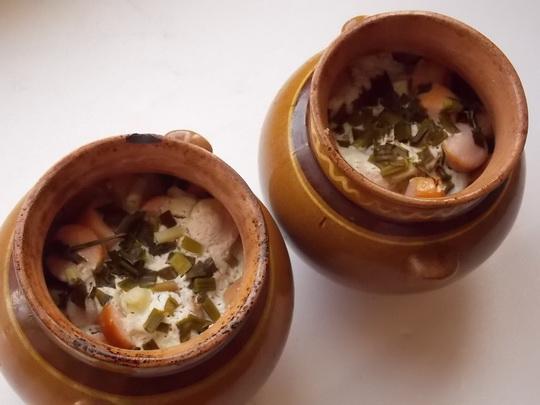 как приготовить картошку с сосисками в горшочках в духовке