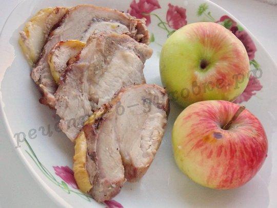 антрекот с яблоками