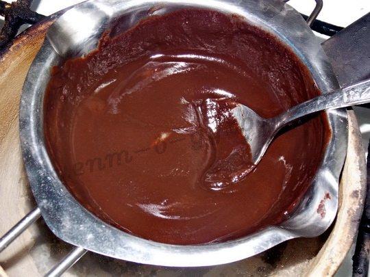 растоим шоколад с молоком и маслом