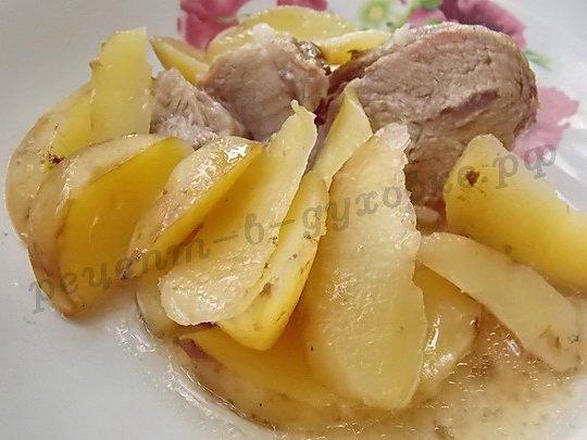 запечённое мясо с картошкой фото