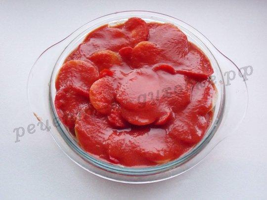 заливаем турецкие котлеты томатной пастой