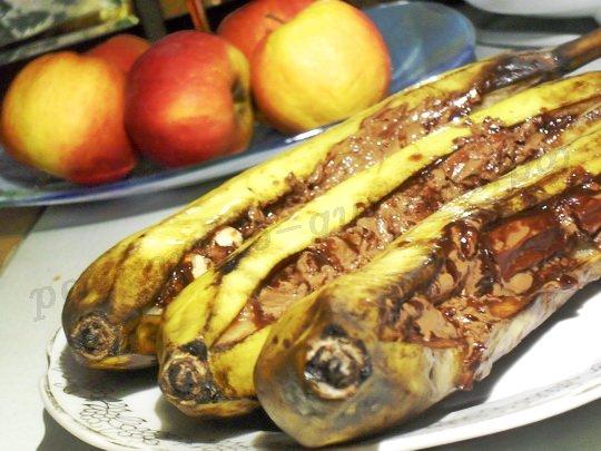 бананы запечённые с шоколадом в фольге