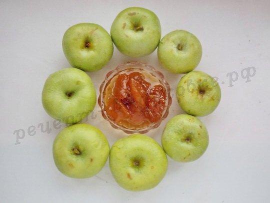 ингредиенты для яблок с вареньем