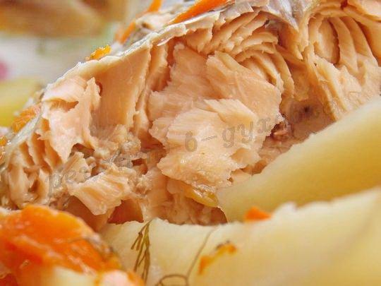 красная рыба запечённая с картошкой
