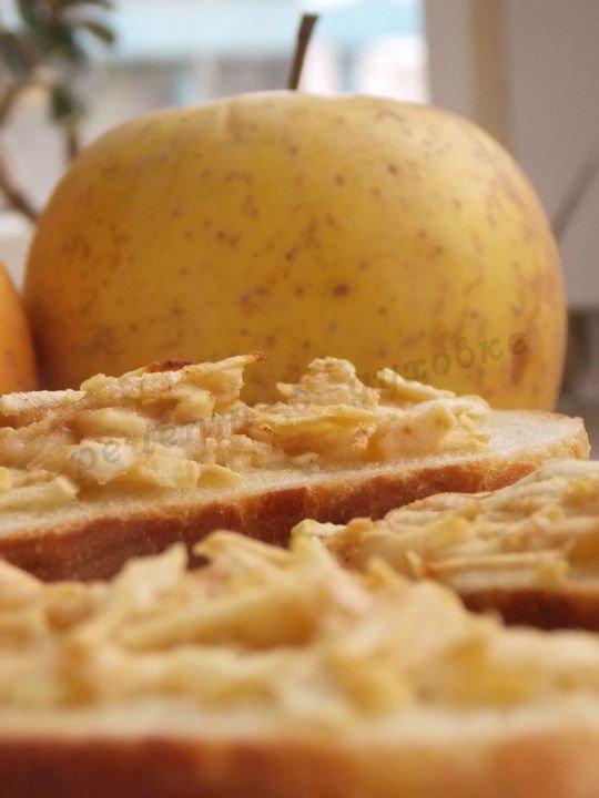 яблочные горячие бутерброды