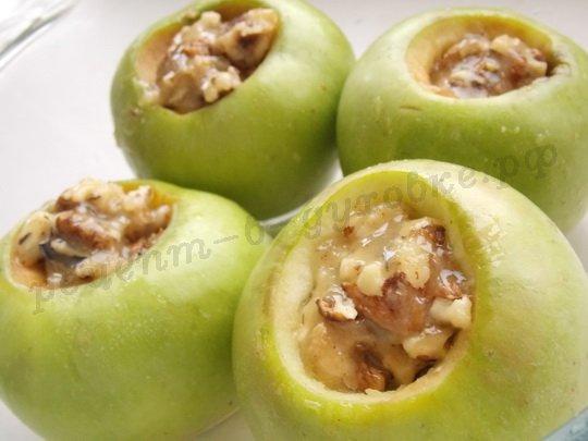 наполняем яблоки начинкой