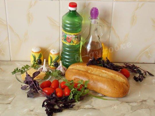 ингредиенты для брускетты с помидорами, сыром и базиликом
