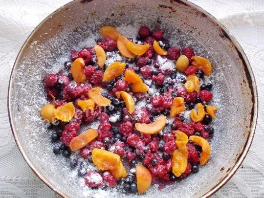насыпаем ягоды