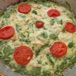 омлет со шпинатом и помидорами в духовке