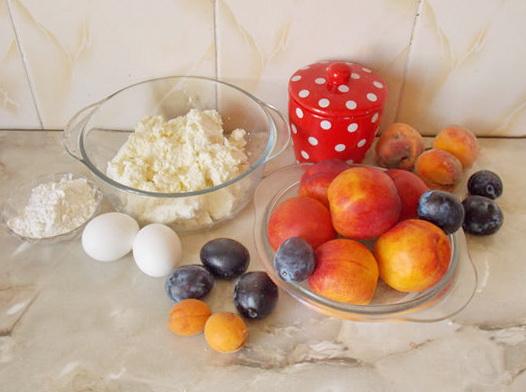 ингредиенты для сырников с нектаринами