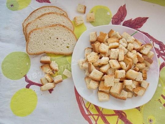 Вкусные сухарики из белого хлеба