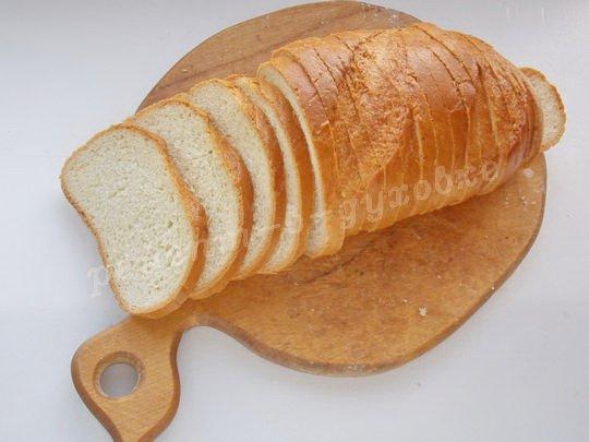 сухарики удобно делать из нарезного хлеба