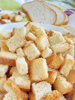 вкусные сухарики из белого хлеба в духовке
