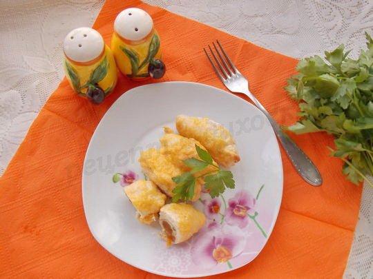 рулетики из куриной грудки с сыром и курагой