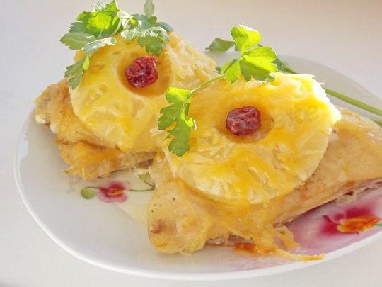 курица под ананасами с сыром