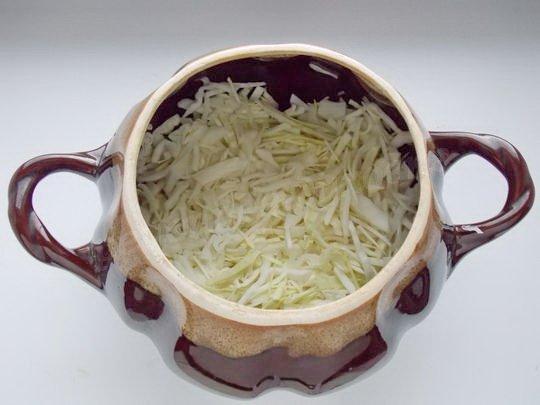 на картошку кладём капусту