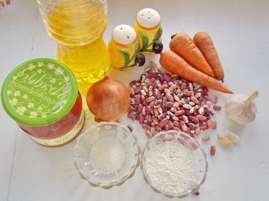 ингредиенты для фасоли в томатной подливе