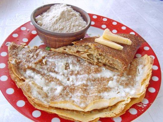 запечённые блины с толокном и сыром