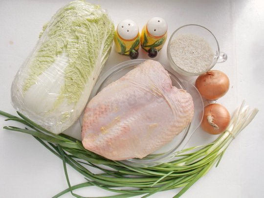 ингредиенты для голубцов с пекинской капустой и куриной грудкой
