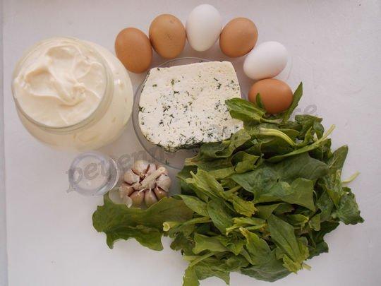 ингредиенты для рулета из омлета со шпинатом