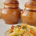 жаркое из картошки с грибами в горшочках
