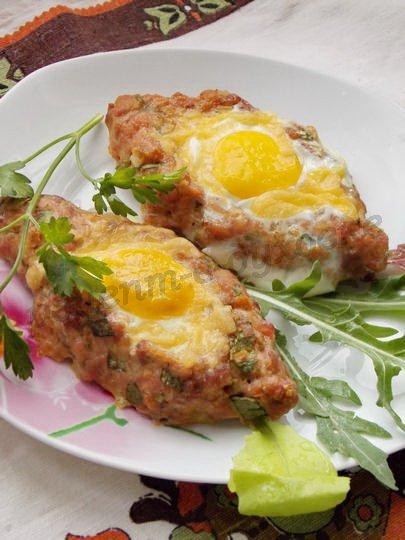 вкусные шницели с сыром и яйцом