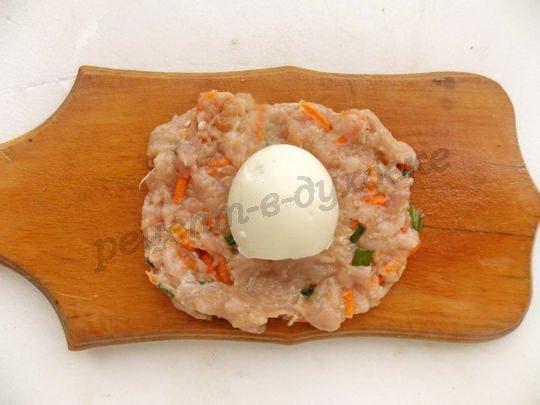 как приготовить котлеты с яйцом внутри