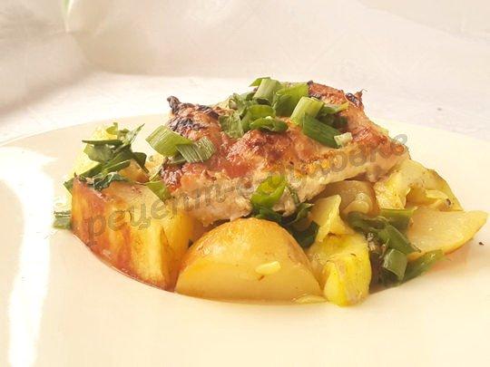 мясо с молодой картошкой в духовке