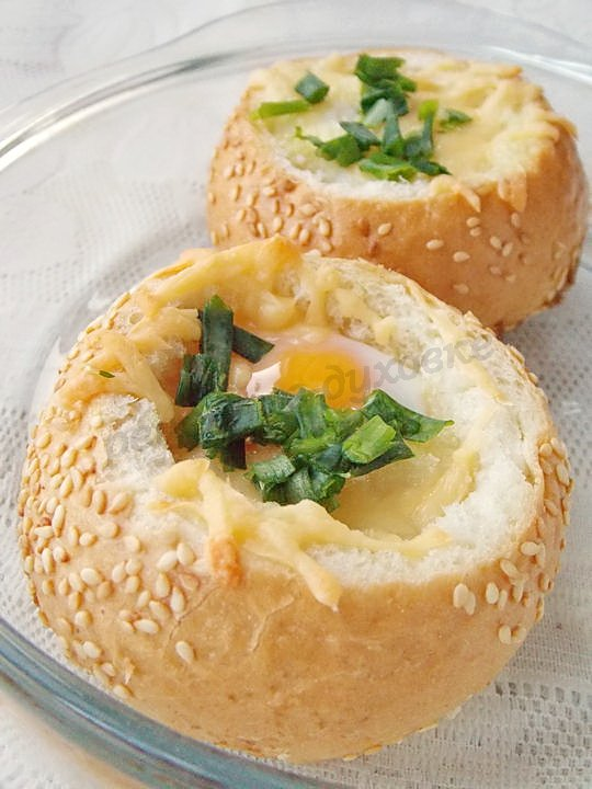 яичница в булочке
