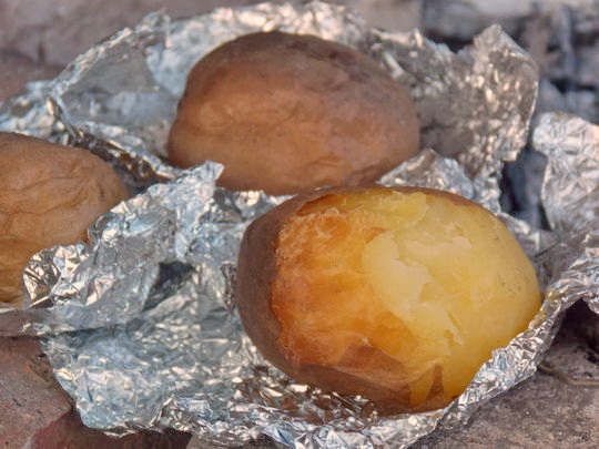 печёная картошка на костре