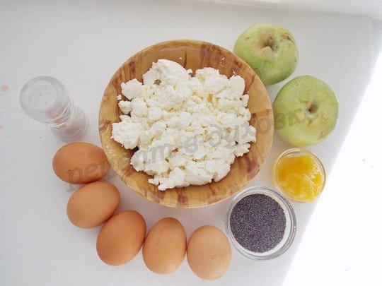 ингредиенты для творожной запеканки с яблоками и маком