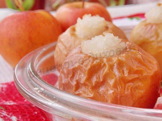 печёные яблоки с рисом