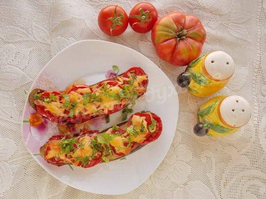 посыпаем готовое блюдо зеленью