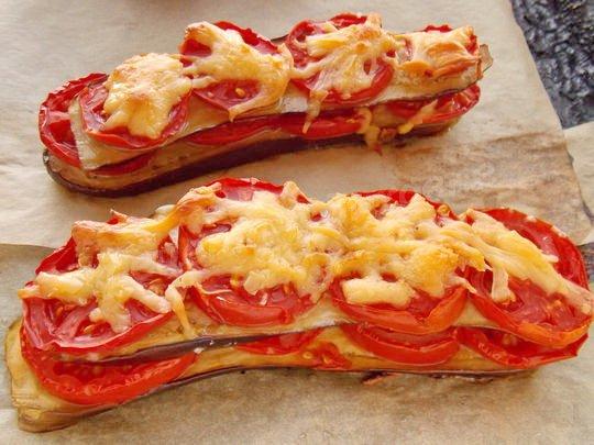как запечь баклажаны с сыром, помидорами и чесноком