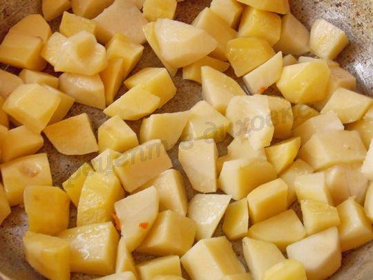 обжариваем картошку на растительном масле
