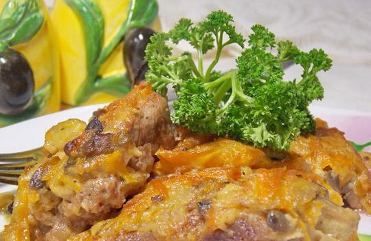 мясо, запечённое под грибами