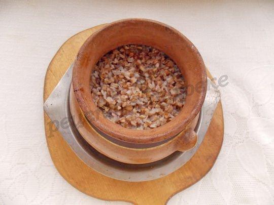 готовим гречку в горшочках