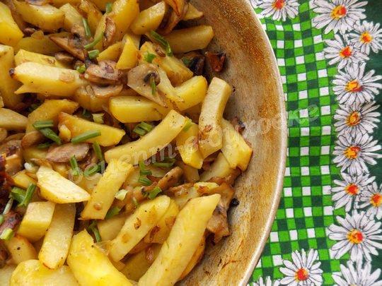 запекаем картошку с шампиньонами