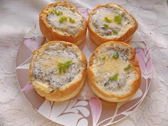 запекаем булочки с супом в духовке