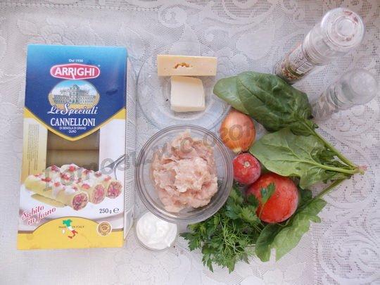 ингредиенты для каннеллони со шпинатом и курицей
