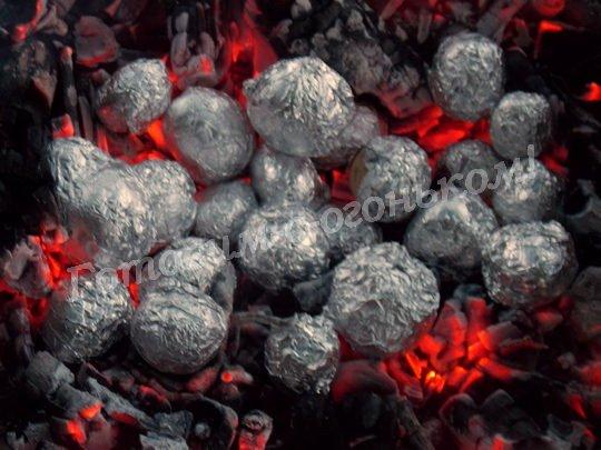 как запечь картошку на углях