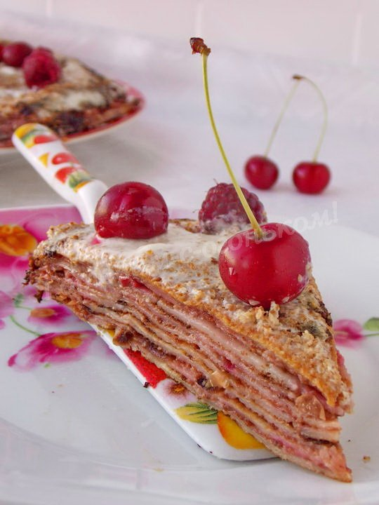 вишнёвый блинный торт