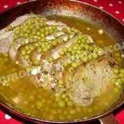 запечённое мясо с горошком